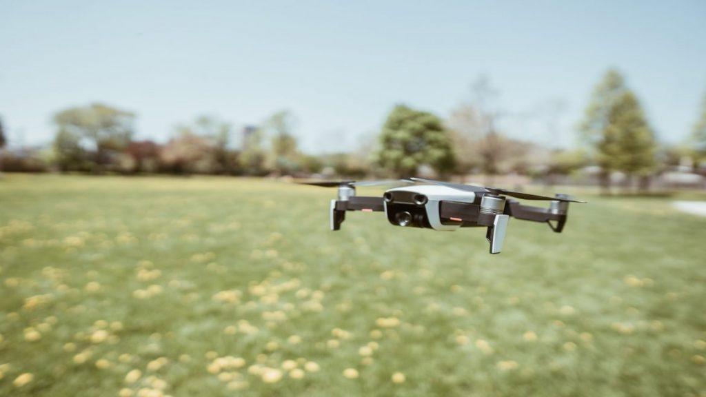 ses dalgalarıyla yön bulan drone